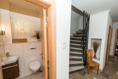 A bathroom at Ferienwohnung Sonnek