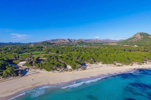 A bird's-eye view of Cala Mesquida Villa Sleeps 5 Pool Air Con WiFi