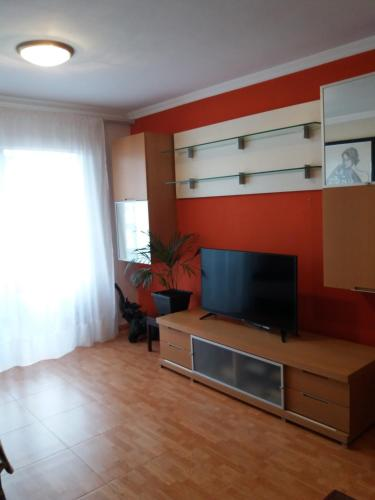 A television and/or entertainment center at Apartamento Sin Fronteras