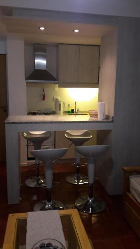 A kitchen or kitchenette at Queen Bariloche