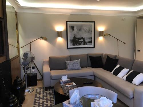A seating area at Luxurious Smart flat Mayfair