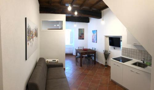 A kitchen or kitchenette at La Casina dei G