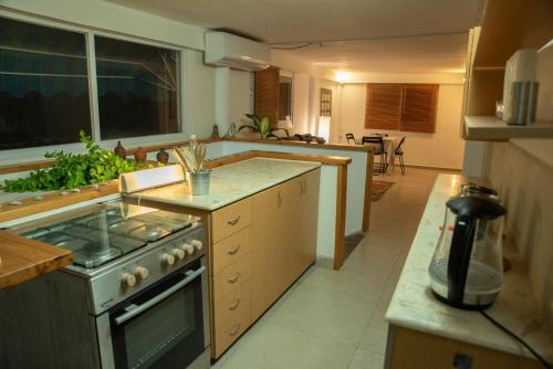 A kitchen or kitchenette at Joe's Place