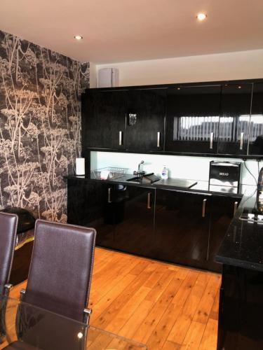 A kitchen or kitchenette at Clyde View