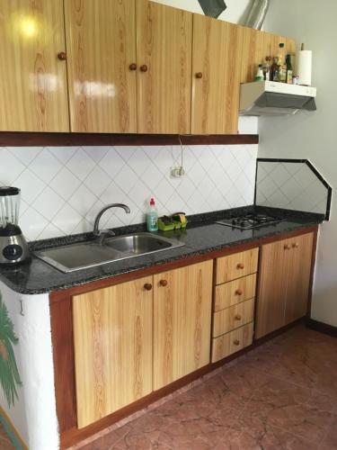 Ett kök eller pentry på Goyo Gomera Apartments