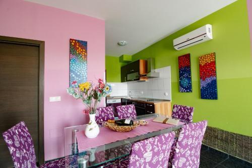 Kuhinja oz. manjša kuhinja v nastanitvi Apartments Pri Adamsovih