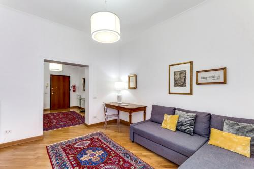 Ein Sitzbereich in der Unterkunft Charming 6 guests flat 10 minutes from Vatican