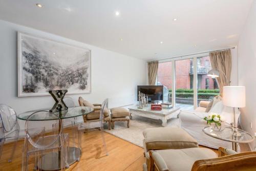 Stunning Surrey Apartment