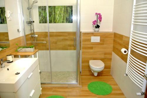 A bathroom at Island Apartment Budapest