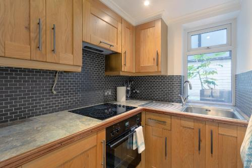 A kitchen or kitchenette at Central London Marylebone Studio