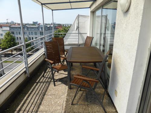 A balcony or terrace at Apartments Schöneberg