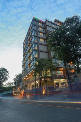 Hotel Rose Hill, Yangon, Myanmar - Booking com