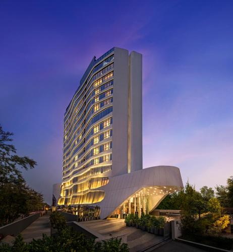 A Doubletree By Hilton Hotel In: Hotel DoubleTree By Hilton Ahmedabad, India