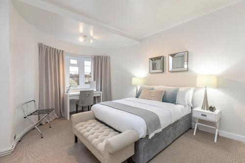 Imperial Suite In Swiss Cottage