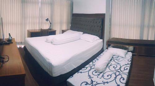 cozy 2 bedroom furnished apartment at uttara the icon jalan