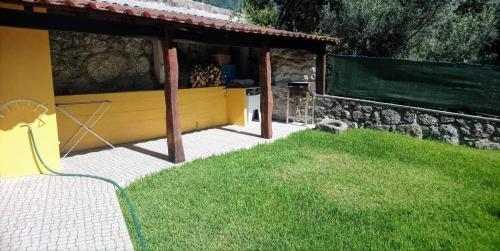 A garden outside Country House - Casa da Costa