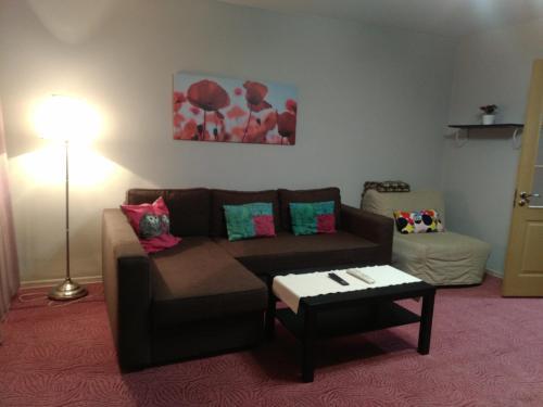 A seating area at Apartments naprotiv vokzala