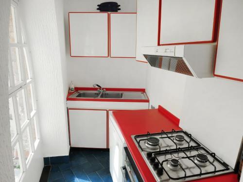 A kitchen or kitchenette at Locazione turistica Laura