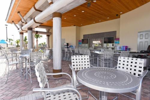 Um restaurante ou outro lugar para comer em 1536 Mc - Champions Gate Apts