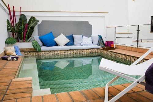 A seating area at Matahacas Pool & Luxury