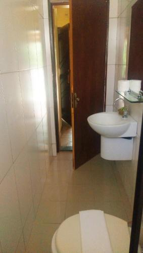 A bathroom at Hotel Lago das Pedras