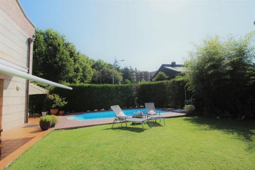 Piscina en o cerca de Bonita villa con piscina privada