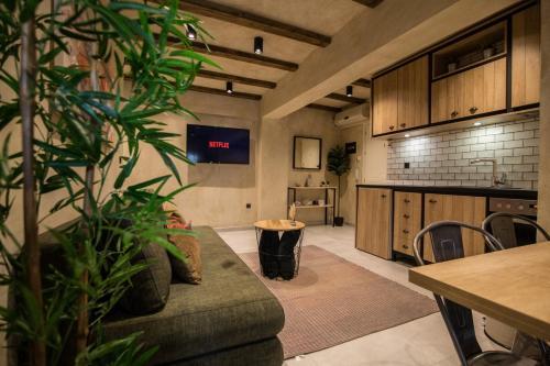 Μια τηλεόραση ή/και κέντρο ψυχαγωγίας στο ThessCityLiving