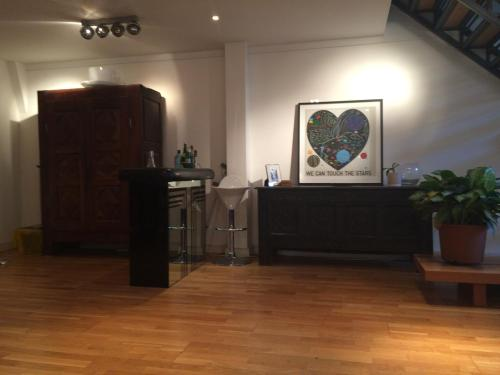 The lobby or reception area at Stunning Loft Style Apartment, London E3
