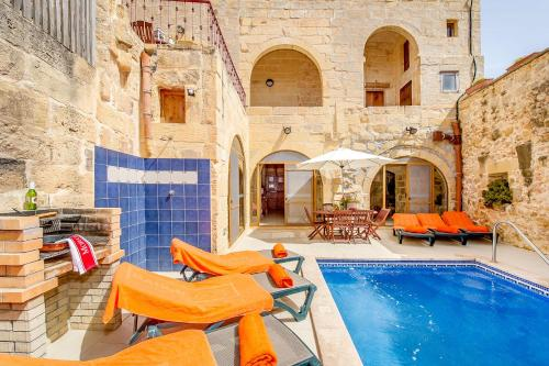 The swimming pool at or near Lellux Holiday Home
