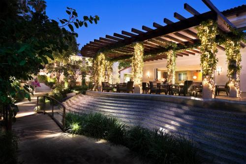 Sunset Marquis Hotel