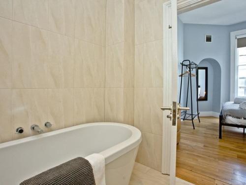 Ein Badezimmer in der Unterkunft Cathedral View Apartment