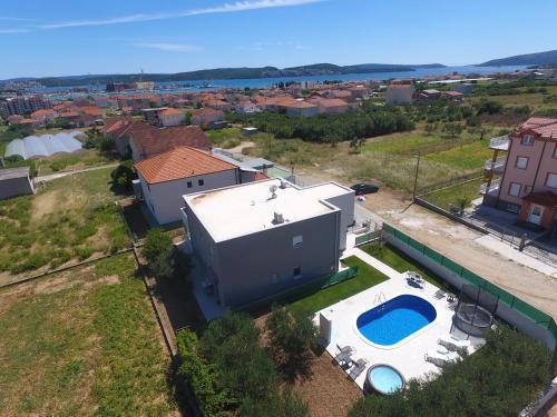 Blick auf Villa Initium aus der Vogelperspektive