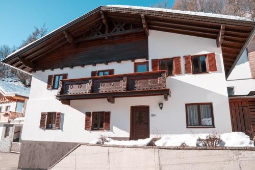 Residieren im traditionell-modernen Stil|Haus|IBK