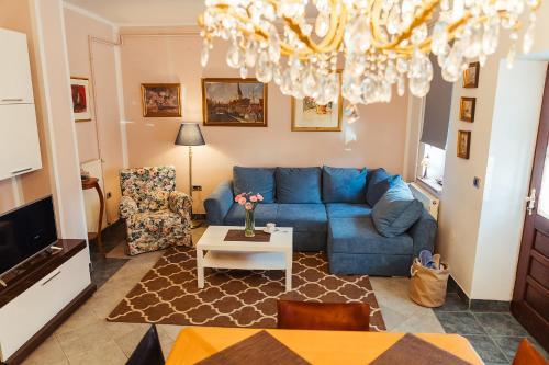 Ein Sitzbereich in der Unterkunft Aurora Apartment
