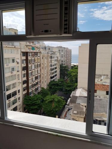 A balcony or terrace at Apartamento de Férias Copacabana Rio de Janeiro
