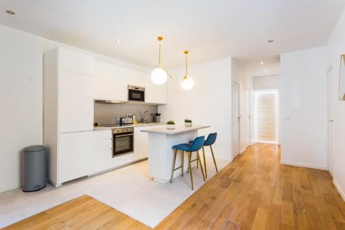A kitchen or kitchenette at CMG Montorgueil / Jeuneurs II