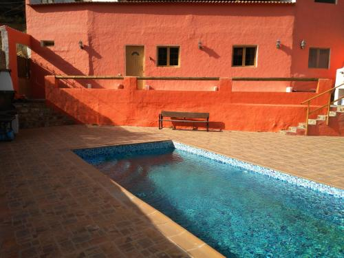 The swimming pool at or near Chalet Ruta San Roque And Pool