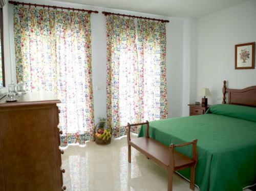 Apartamentos Miguel Angel