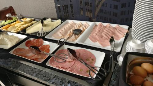 Eten bij of ergens in de buurt van het aparthotel