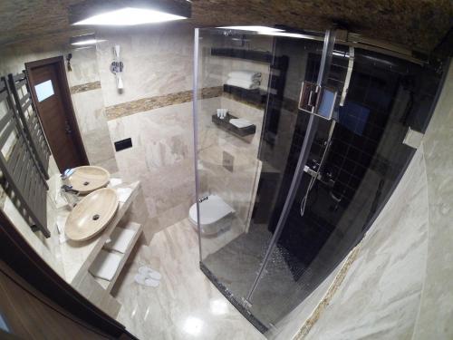 A bathroom at Apollo Kraków