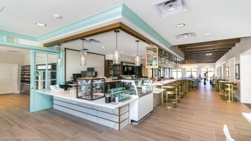 Restaurant ou autre lieu de restauration dans l'établissement EV282237 - Solterra Resort - 7 Bed 6.5 Baths Villa
