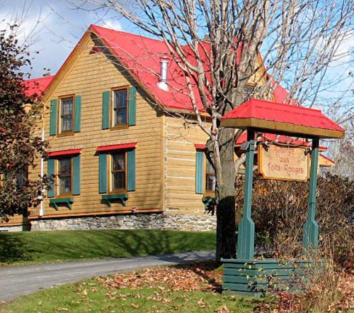 Booking com Auberges dans cette région Cantons de l'Est Auberges Cantons de l'Est, Canada  # Auberge De La Rive Du Bois