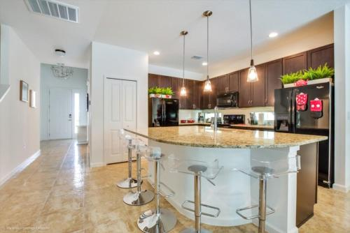 A área de bar ou lounge em Imagine You and Your Family Renting this 5 Star Villa on Bella Vida Resort, Orlando Villas 2731