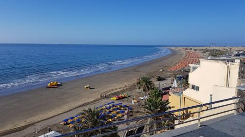 LOW COST ROOMS WIFI FREE, Playa del Inglés – Prezzi ...