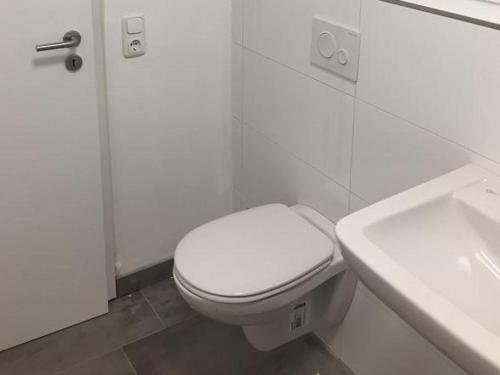 A bathroom at City Apartment Dietze
