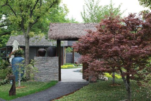 Hangzhou Roots Resort