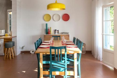 Reštaurácia alebo iné gastronomické zariadenie v ubytovaní Silver Coast - Casa da Lagoa