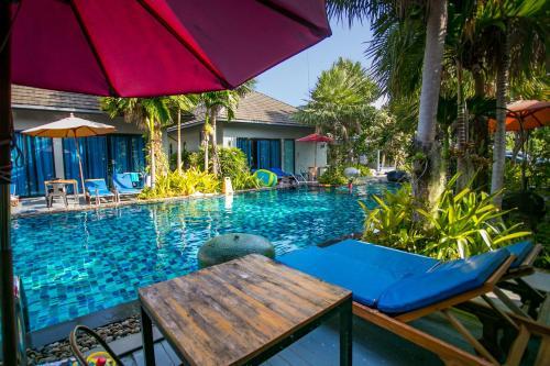 Het zwembad bij of vlak bij Seava House Ao-Nang Krabi