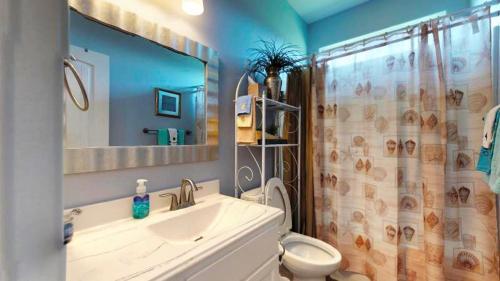 Ванна кімната в After Dune Delight Home