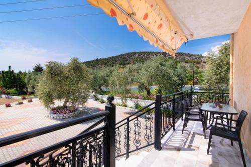 Un balcon sau o terasă la Pension Maria